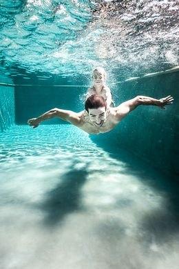 Wasserpflege im Schwimmbad und Whirlpool