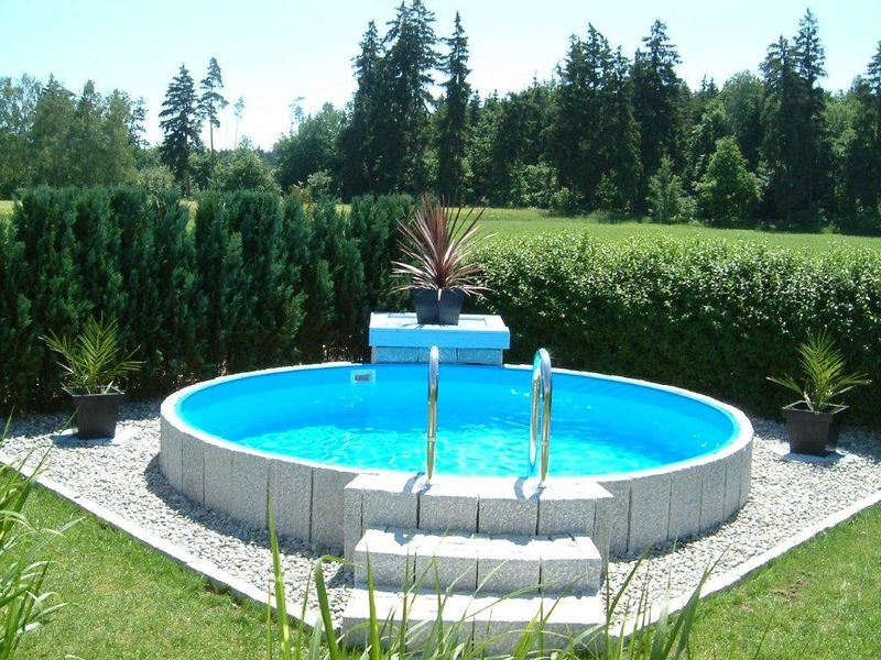 Rundbecken fun von future pool mit eloxiertem aluhandlauf for Pool mit folie auskleiden