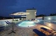 Ovalschwimmbecken SWIM von Future Pool, Innenhülle 0,8 mm, Standardhandlauf