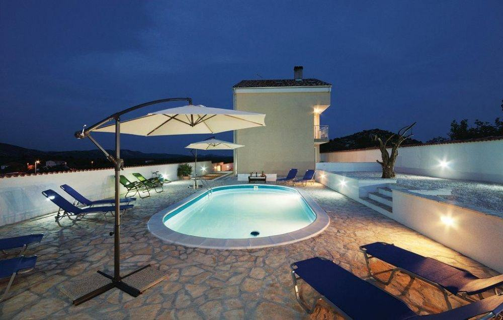 Ovalschwimmbecken swim mit eloxiertem aluhandlauf folie blau for Swimming pool folie erneuern