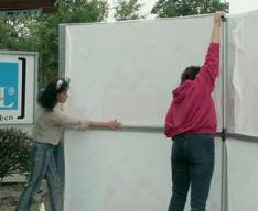 """Fotoreportage zum Aufbau der Schiebehalle """"Do it """""""